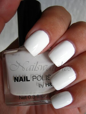 H&M HM Hennis mauritz maurits nail polish white creme love at first sight opaque nailswatches swatch