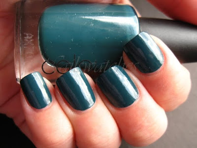 cnd creative nail design night factory the look fall winter 2010 urban oasis teal sparkle colour effect nail polish nailswatches