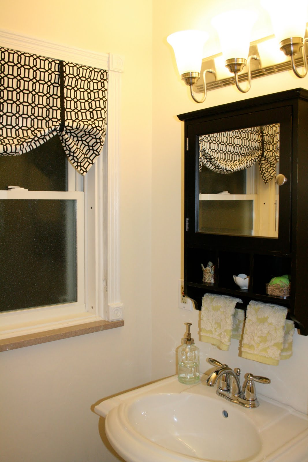 No Sew Cornice : Little and lovely super easy no sew curtains valance