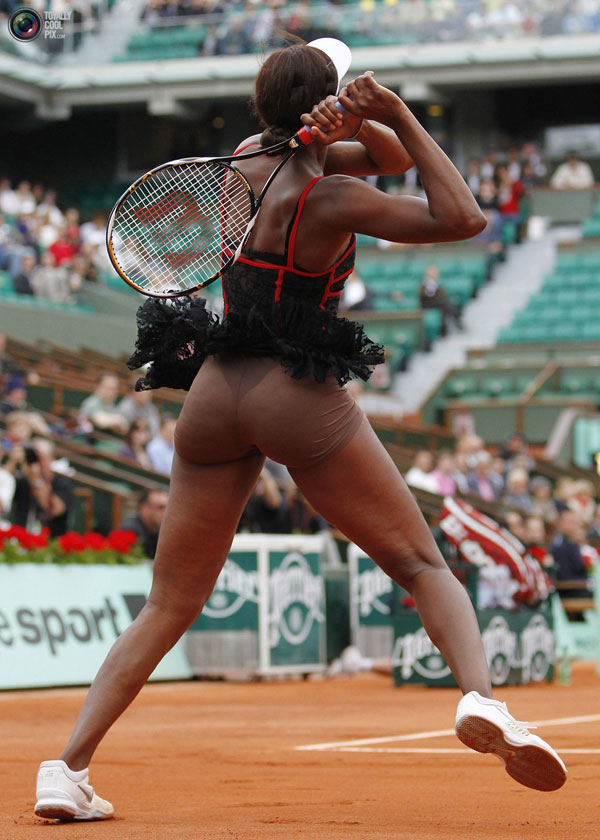 camel toe spotwomens,posturas cachondas de chicas deportistas,marcando coños en el bikini
