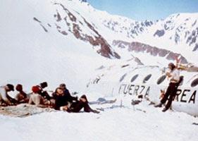 Viven (imagen de la película de Frank Marshall): la superviviencia tras el desastre en la Cordillera de los Andes