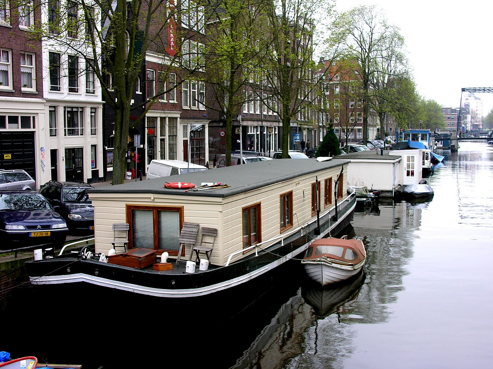 World travel with anne for Houseboat amsterdam