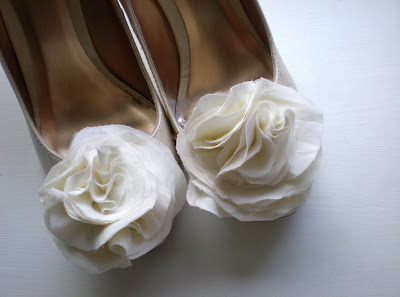 Bridal Shoe Clips on Poetic Shoe Clips For Perfect Wedding Shoes   Amouramour Com Au