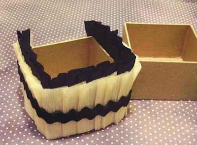 joli paquet antique cabinet card halloween nut cups. Black Bedroom Furniture Sets. Home Design Ideas