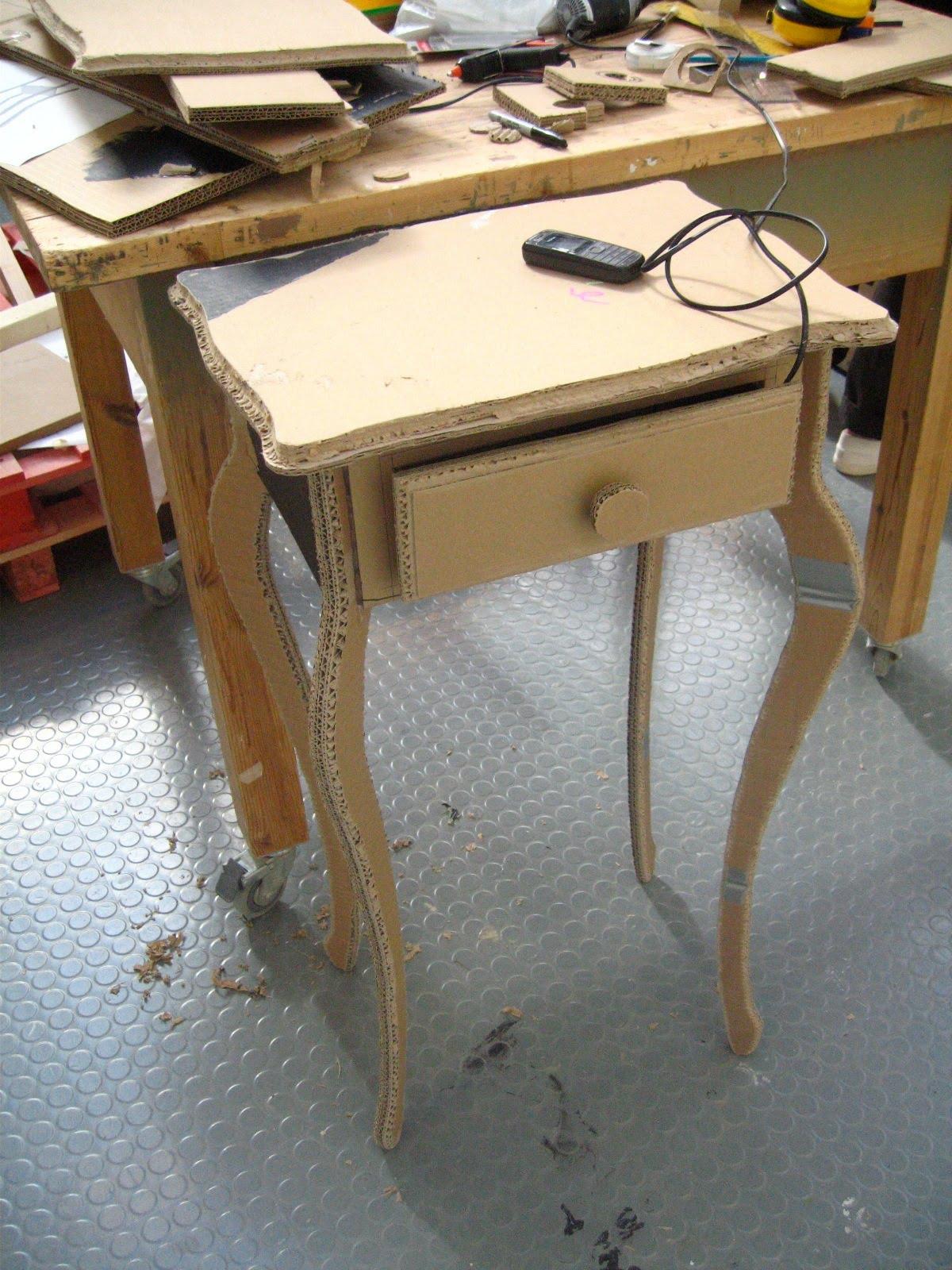 Делаем эконом мебель из картона: стол, полки для книг и обуви 63