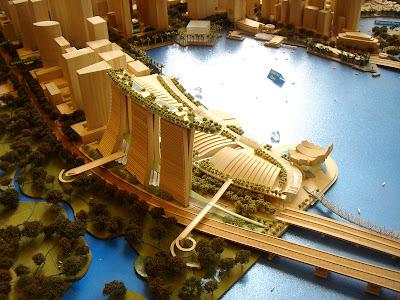 http://4.bp.blogspot.com/_rku6deQBORg/S2H6rDt0b7I/AAAAAAAALt0/FNEDz4-kgQU/s400/Marina_Bay_Sands_model_1.jpg