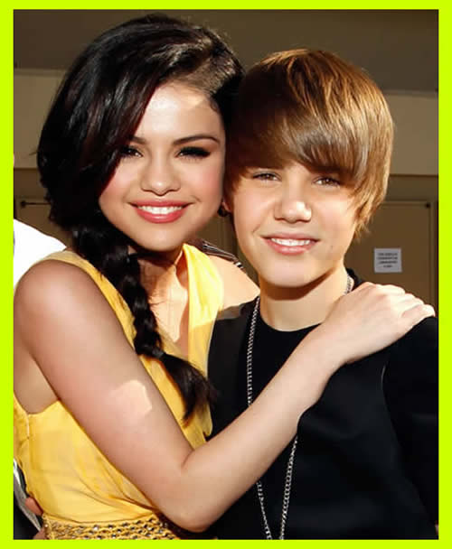 Justin Bieber and Selena Gomez is kissing, lips to lips, tongue to tongue.