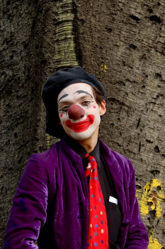 Mortimer... CLown!