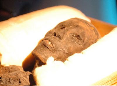 Mumi Raja Mesir Tutankhamun - infolabel.blogspot.com