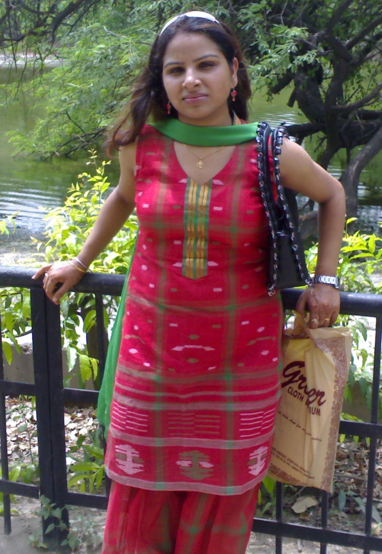burkes garden hindu single women Are you single in tazewell county and looking for a potential spouse or do you just want to meet someone new to go to a gallery opening with in tazewell county zoosk online dating is the hot spot to meet tazewell county single hindu women.