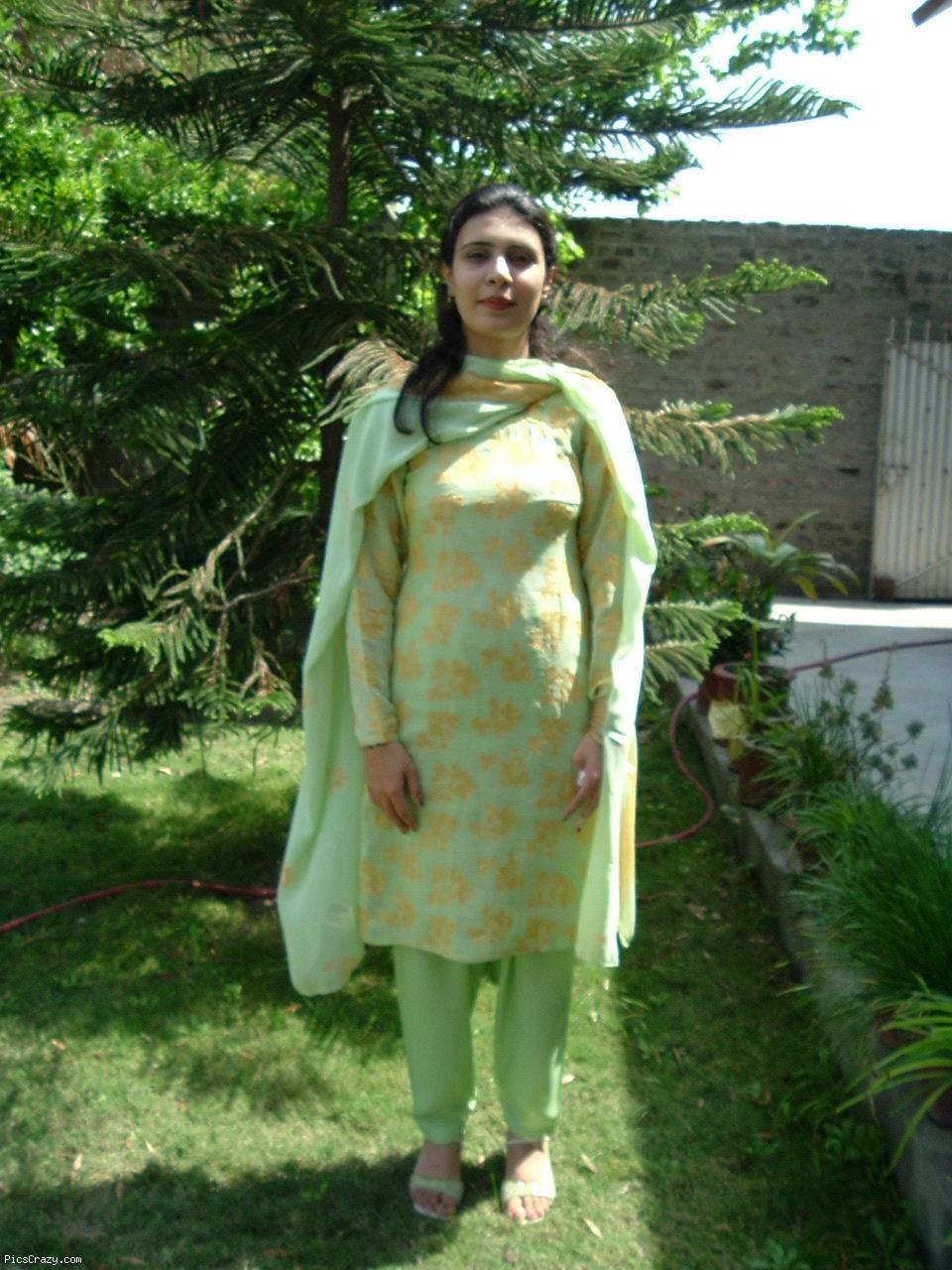 This Page Provides  Rmation About   Desi Aunty Bhabhi