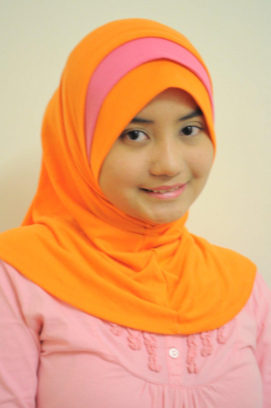 Model Hijab Buat Muka Bulat