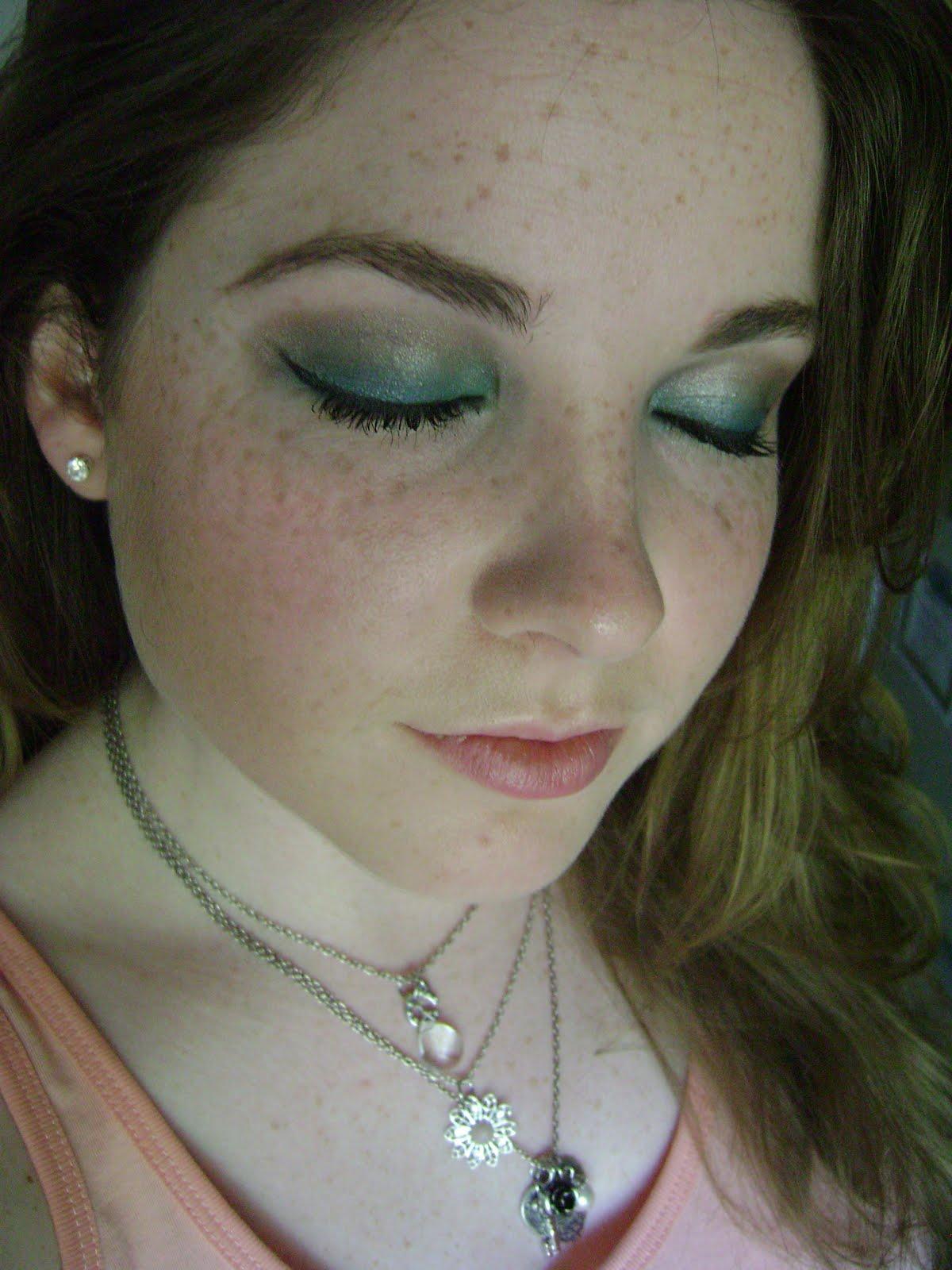 http://4.bp.blogspot.com/_roqYXvSkhMk/S_xWWB-BijI/AAAAAAAAARU/lkEai9K4i_w/s1600/bluegreen+tutorial+039.JPG