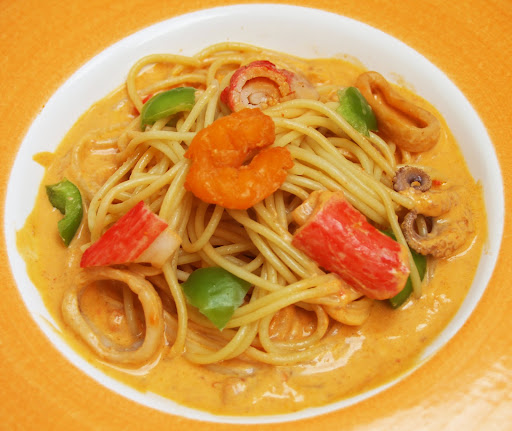 Fresh Seafood Pasta Recipe : Emeril Lagasse : Recipes : Food Network