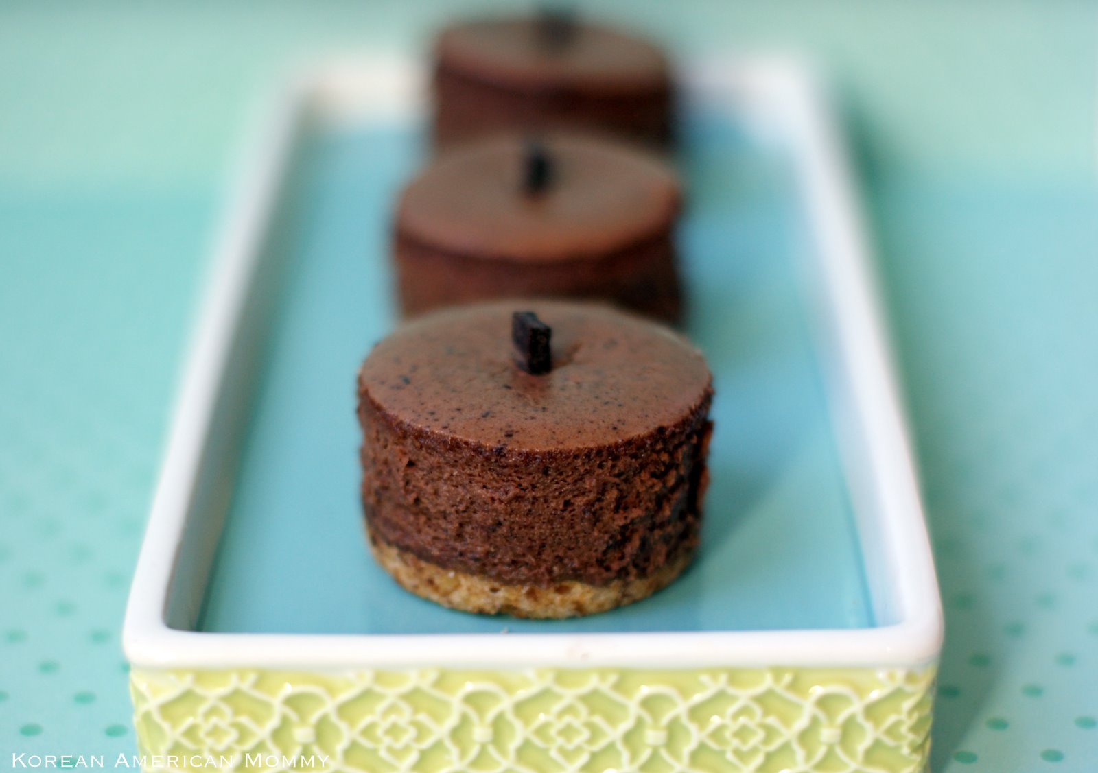 ... Mommy: Dark Chocolate Créme Fraîche Pretzel Crust Mini Cheesecake