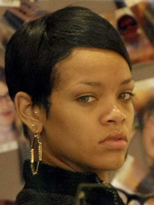 celebraties without makeup. No makeup:Rihanna