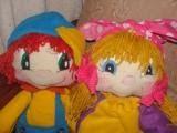Nuestros muñecos Emi y Poli