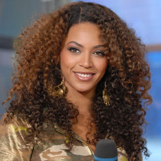 Beyonce Dalgalı Saç Modeli