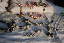 Smycken By Jenny Hoberg Sötvattenspärlor & porslinspärlor äkta pärlor silver m.m