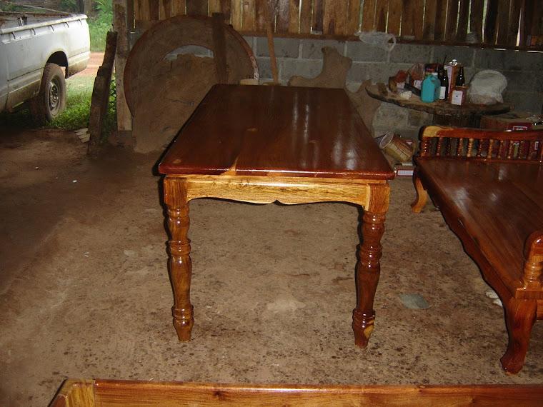 โต๊ะกลางไม้พยุง ชิงชัน มะค่า ประดู่