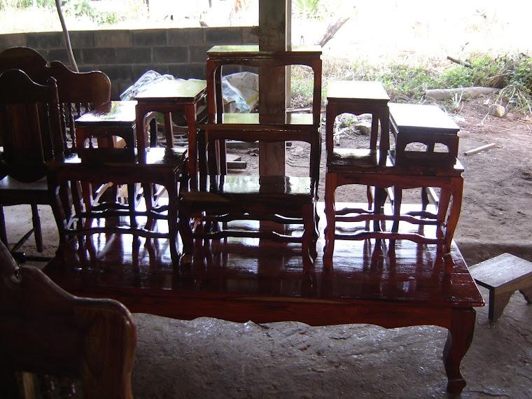 ชุดโต๊ะหมู่  ขาสิงห์  ไม้พะยุง