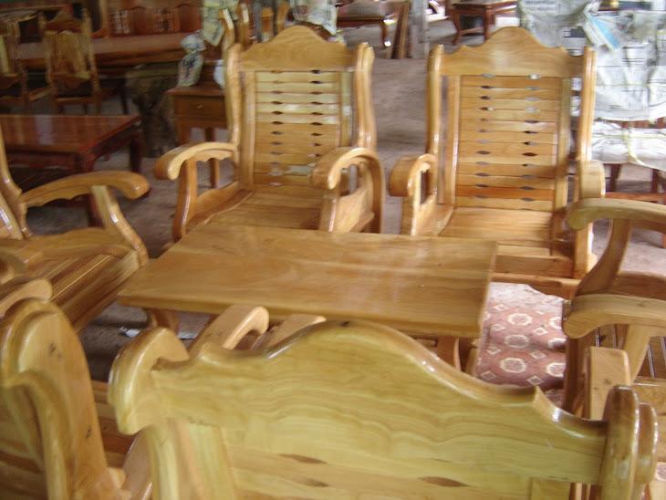 โต๊ะไม้กันเกลา