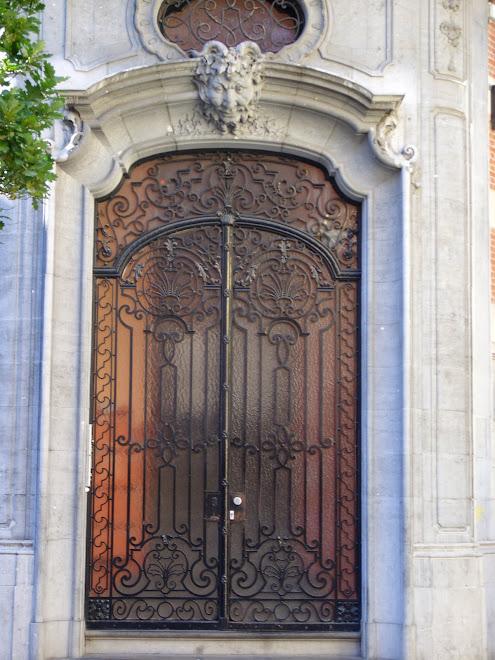 Magnifique double-porte métallique