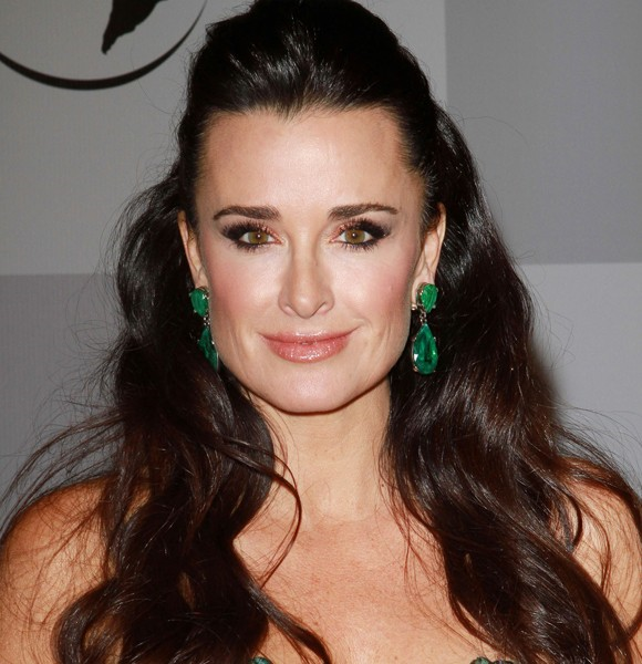 kyle richards emerald earrings. kyle richards