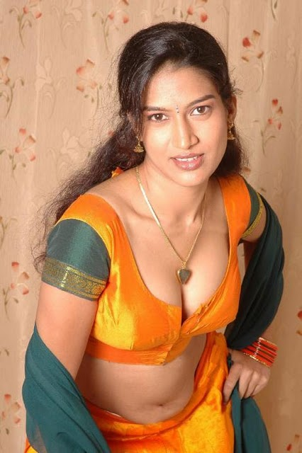 Indian aunty wet blouse