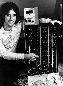 El Moog System 15 protagonista del álbum Sequencer de Synergy
