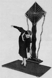 El invento más visionado de Theremin, el Terpsitone, interpretado por Clara Rockmore