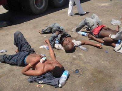 Immigrati respinti al porto di Tripoli