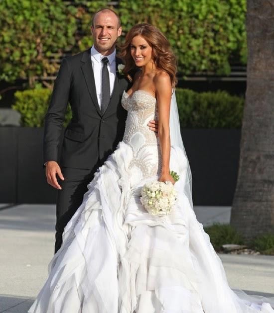 J Aton Couture Hand Made Rebecca Twigley Wedding Dress: Rich Girls.: Mr And Mrs Judd's Fairytale Wedding