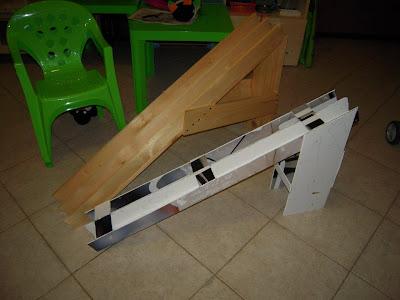 Giocattoli in legno: rampa automobiline