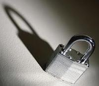 مشاكل التجارة الالكترونية   تعرف على الهاكرز لتفادى مشاكل التجارة الالكترونية