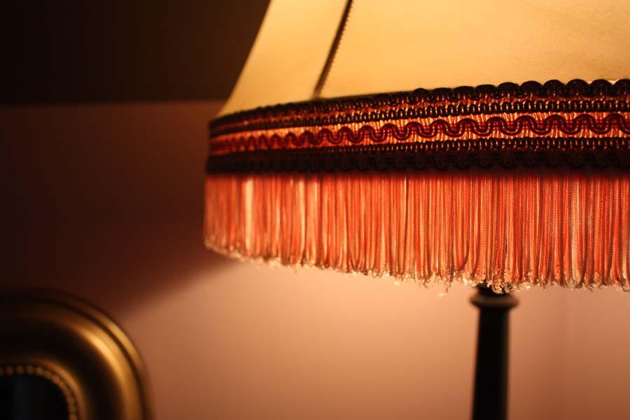 abat jour pour lampadaire ancien. Black Bedroom Furniture Sets. Home Design Ideas