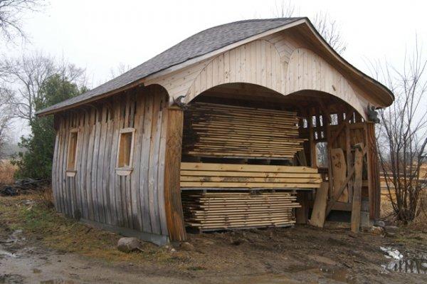 maison hangar metallique images gratuites grungy structure plante ciel rtro maison vapeur. Black Bedroom Furniture Sets. Home Design Ideas