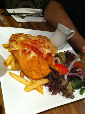 Schnitzel+Parmigiana Palm Breeze Cafe