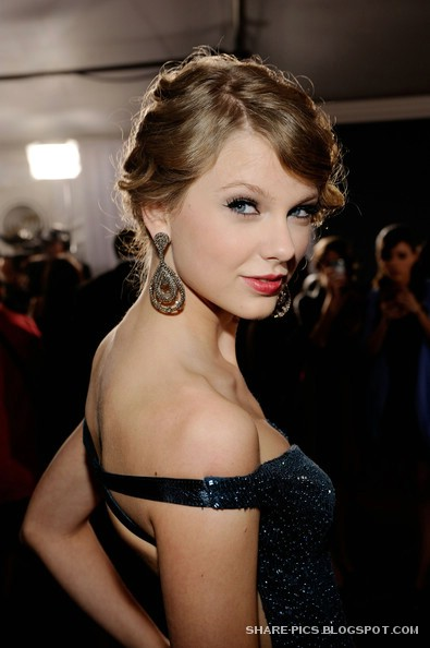 Taylor Swift Glams at 52nd Grammy awards 2010 Los Angeles