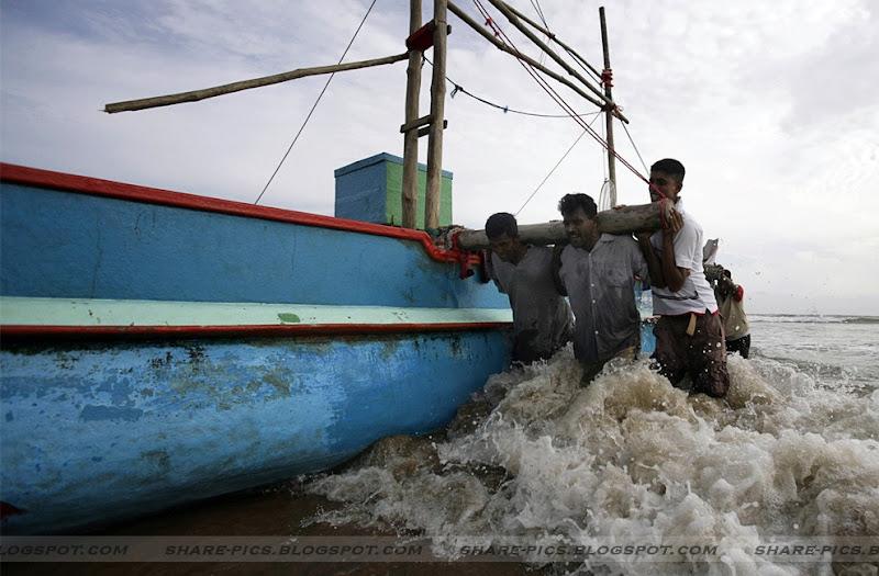 fisherman at unawatuna