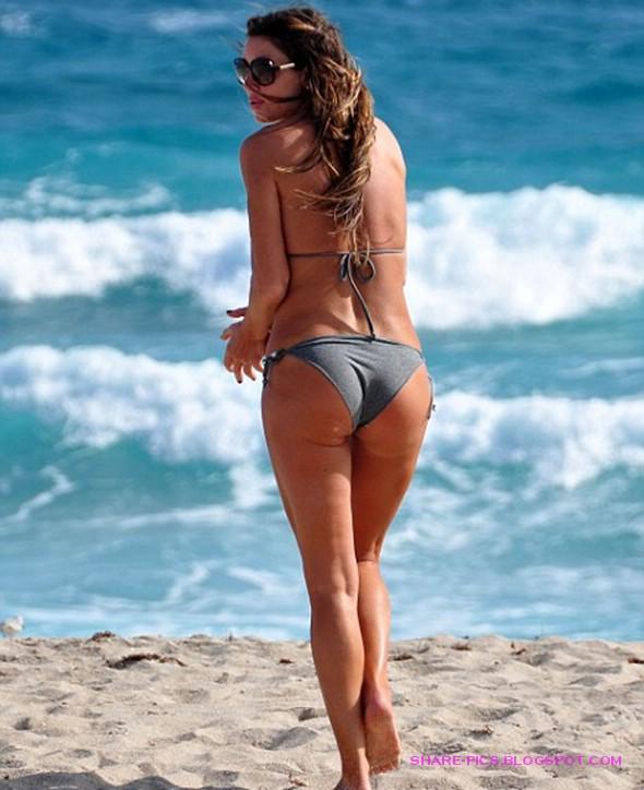 Rachel Uchitel Bikini Pictures