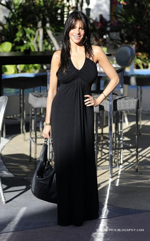 Sofia Vergara And Her Porsche Out in Miami