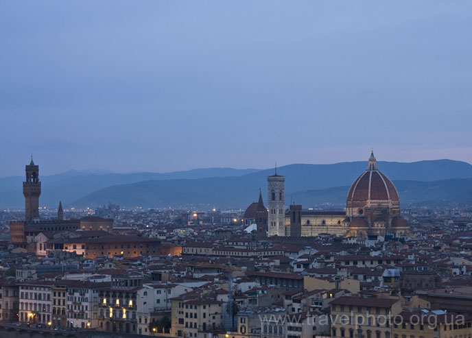 Флоренция, панорамное фото рано утром
