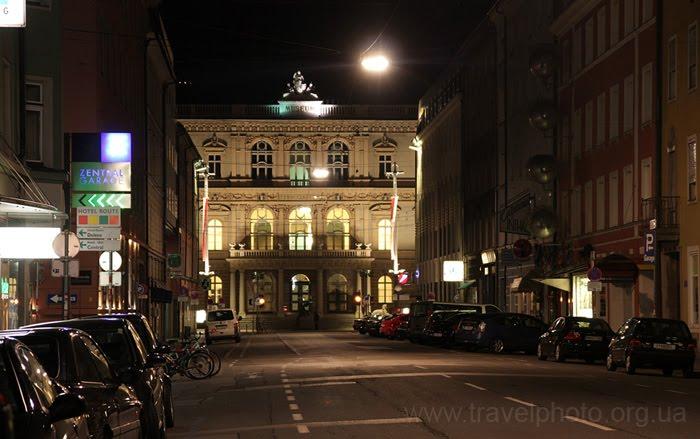 в городе Инсбрук нет фонарных столбов