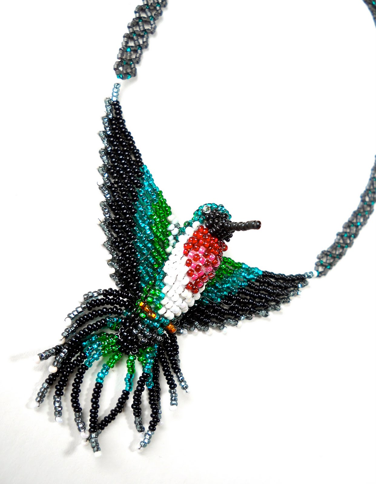Free Hummingbird Bead Patterns http://sharonerwine.blogspot.com/2010/07/3d-hummingbird.html