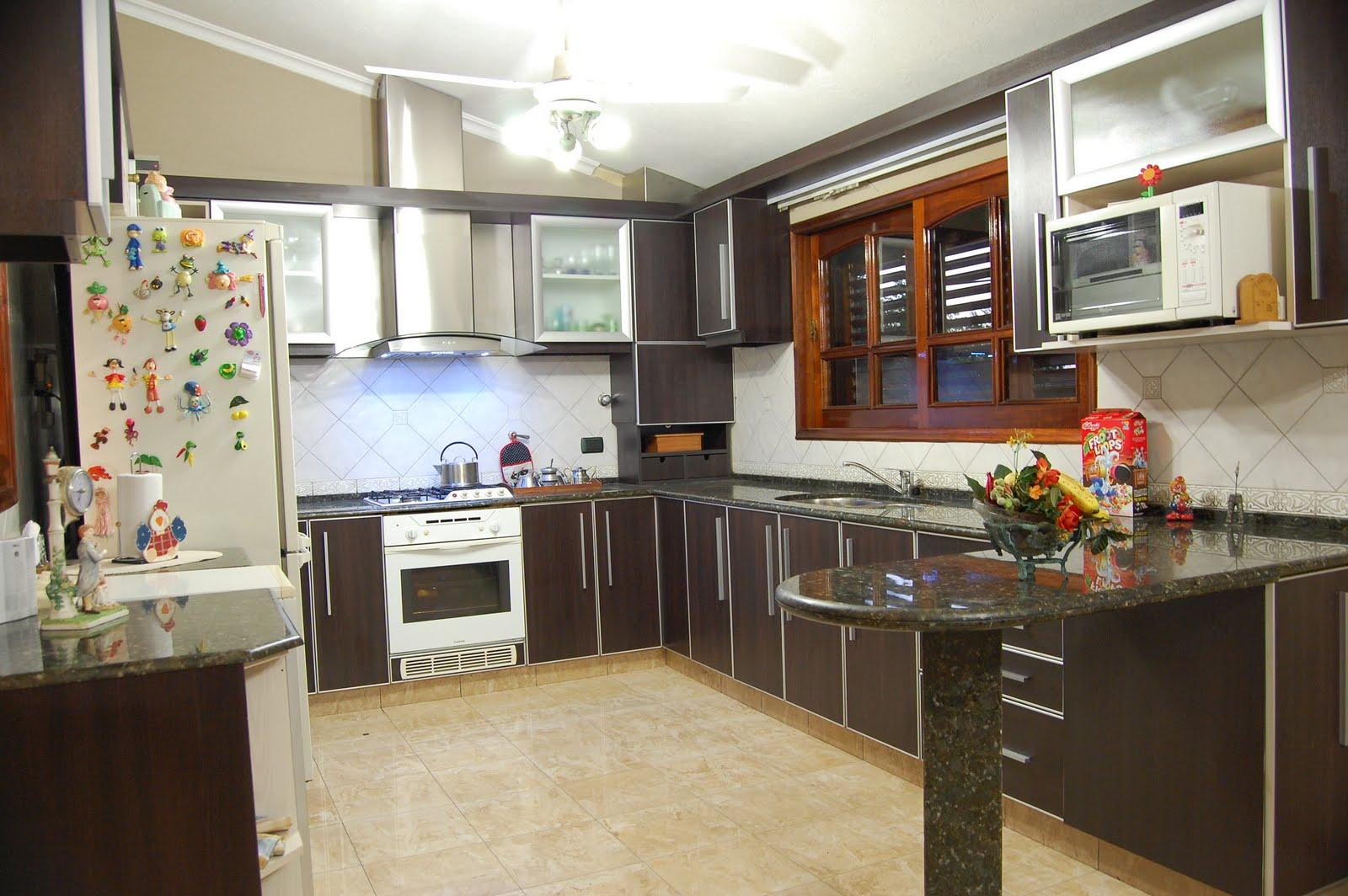 Las 10 cocinas de madera más cálidas · ElMueble  - fotos de muebles de cocina de roble