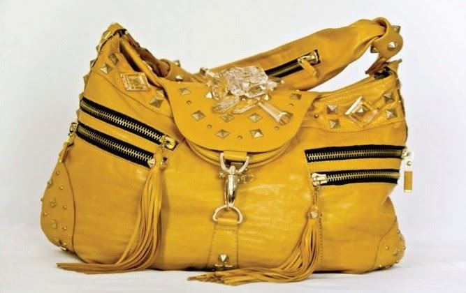 what key factors determine the success of fine ladies handbags In this article, we cover the topic of international marketing and explore 1) an introduction to international marketing, 2) factors to consider for international marketing and 3) a conclusion jet travel opened up the world to many people, and the expansion of the world wide web took that one step.