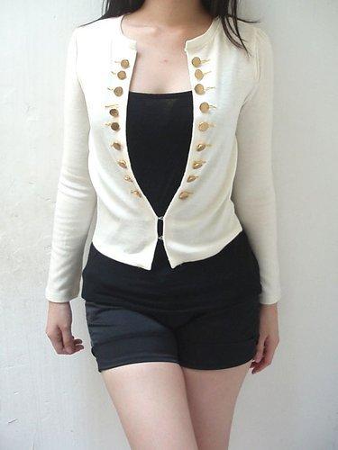 Desain Baju Cardigan Putih Korea
