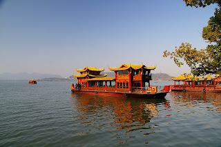 西湖の遊覧船