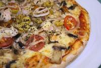 Tomato Mushroom Pizza